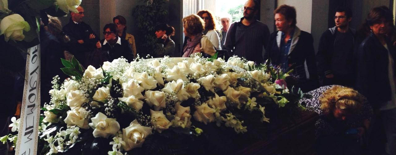 Il funerale laico o civile: in cosa consiste e come ...